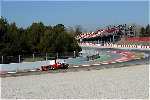 Фернандо Алонсо за рулем Ferrari F2012 на тестах в Барселоне