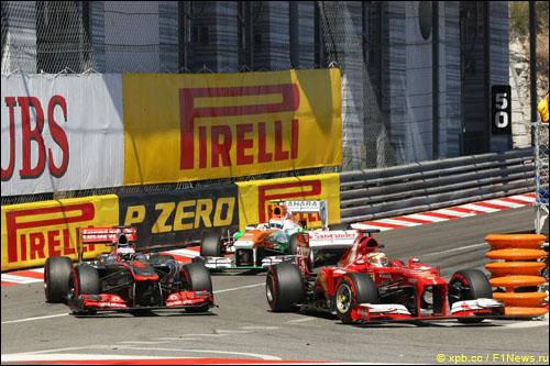 Борьба Дженсона Баттона и Фернандо Алонсо в Гран При Монако