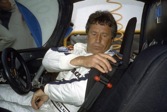 Марио Андретти за рулём Porsche 956 Turbo CL в Ле-Мане в 1983 году