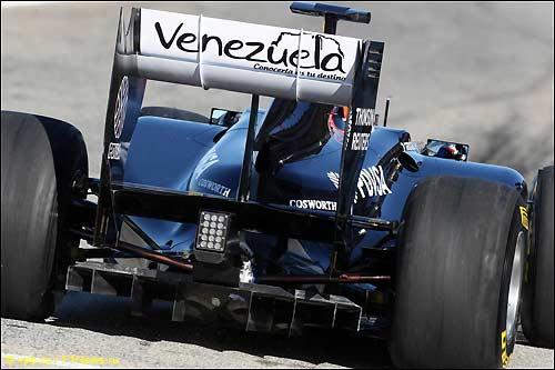 Рубенс Баррикелло за рулем Williams FW33 на тестах в Валенсии