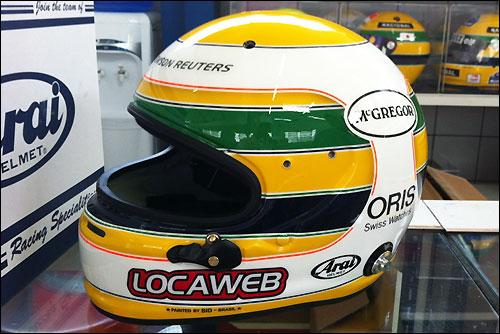 Новая раскраска шлема Баррикелло