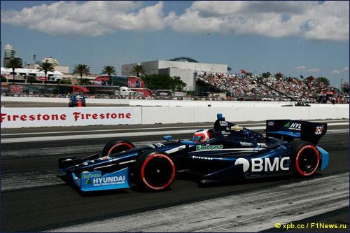 Рубенс Баррикелло на трассе первого этапа IndyCar во Флориде