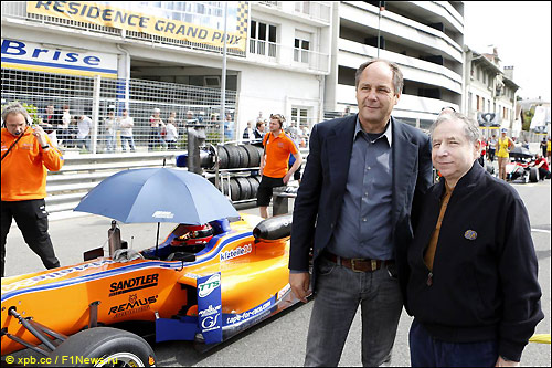 Герхард Бергер и Жан Тодт на гонке Формулы 3 в По