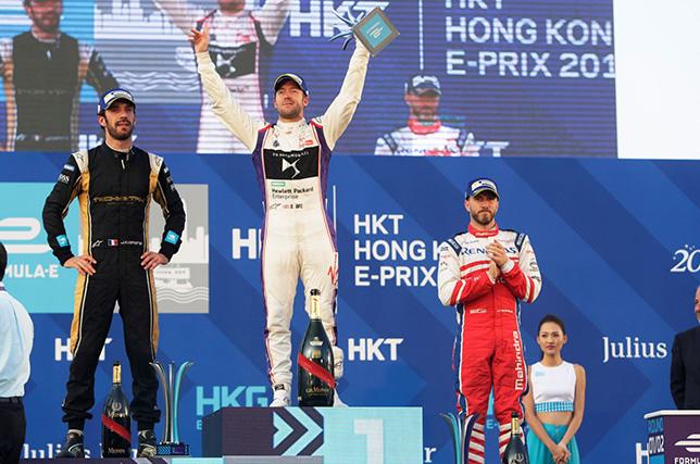 Формула E: Сэм Бёрд одержал победу в Гонконге