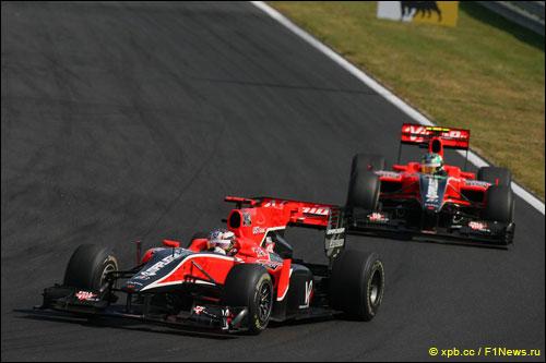 Пилоты Virgin Racing на трассе Гран При Венгрии 2010 года