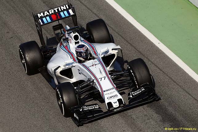 Валттери Боттас за рулём Williams FW37 на тестах в Барселоне