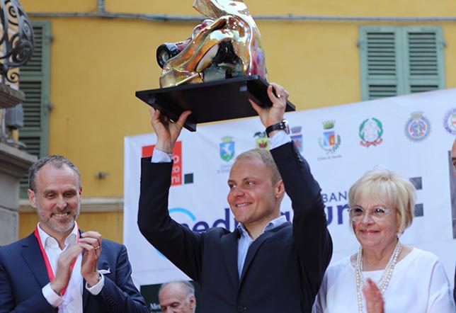 Валттери Боттас с престижным призом имени Лоренцо Бандини