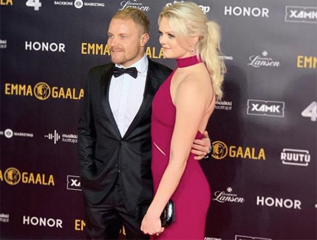 Валттери Боттас и его супруга Эмилия на красной дорожке церемонии Emma Gaala
