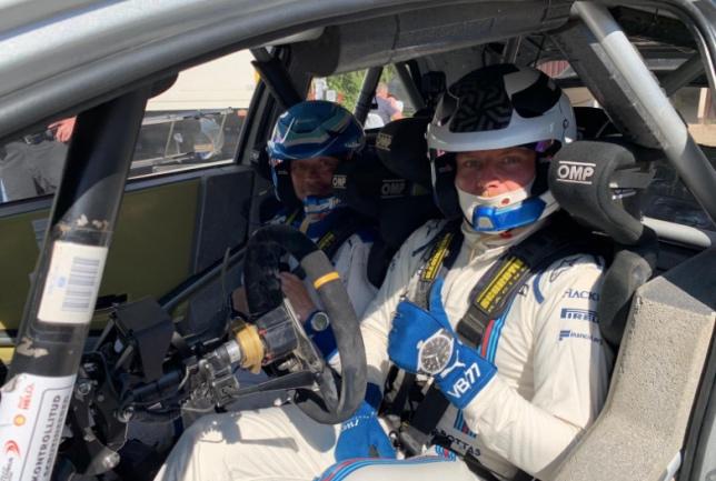 Валттери Боттас за рулём раллийной Toyota Yaris, фото пресс-службы Toyota Gazoo WRT