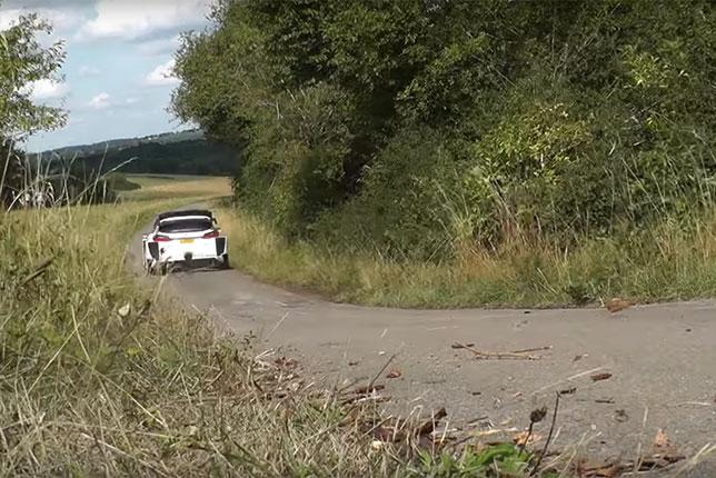 Валттери Боттас за рулём раллийной Ford Fiesta на тестах в Германии