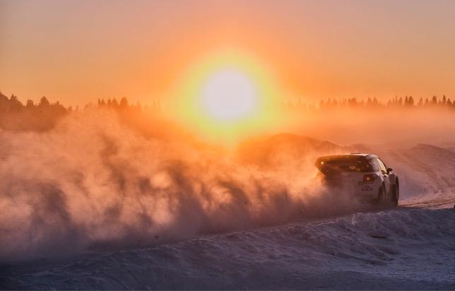 Валттери Боттас за рулём Citroen DS3 WRC на трассе Artcic Rally, фото из Twitter гонщика