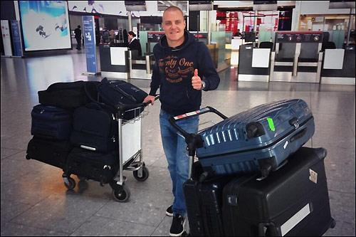 Валттери Боттас покидает Великобританию