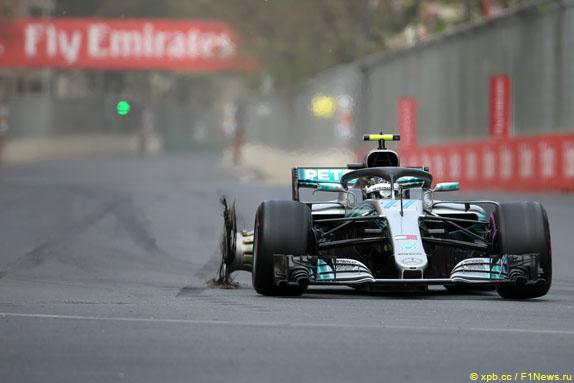 Les conséquences d'une explosion de pneu sur la voiture de Valtteri Bottas