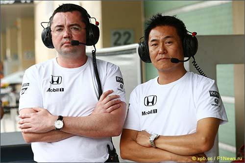 Эрик Булье и Ясухиса Араи, директор Honda Motorsport