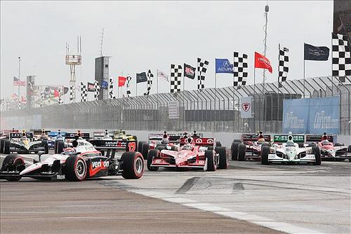 Уилл Пауэр и Дарио Франкитти лидируют на старте гонки в Сент-Питерсберге