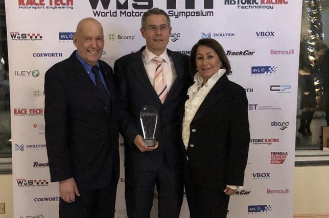 Джейсон Сомервилль (в центре) на вручении награды Dino Toso Racecar Aerodynamicist of the Year