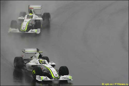 Гран При Китая: Рубенс Баррикелло и Дженсон Баттон