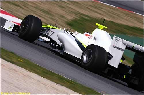 Рубенс Баррикелло на тестах в Барселоне за рулем BGP 001