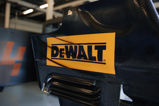 Логотип DeWalt