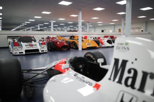Зак Браун и Мартин Брандл готовятся к гонке Estoril Classic