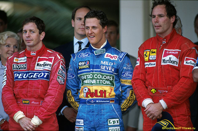 Мартин Брандл (слева) на подиуме в Монако в 1994 году вместе с Михаэлем Шумахером и Герхардом Бергером