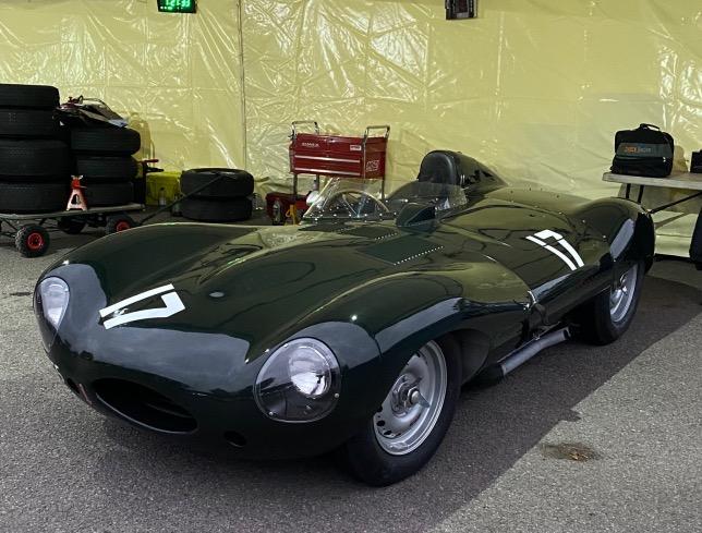 Jaguar D-Type 1957 года, на котором в Гудвуде выступает Мартин Брандл