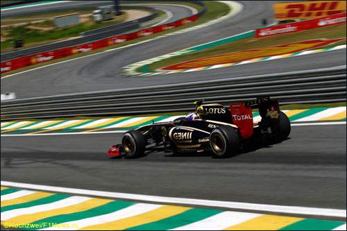 Виталий Петров на трассе Гран При Бразилии