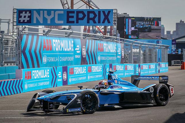Формула E: Квалификацию в Нью-Йорке выиграл Буээми