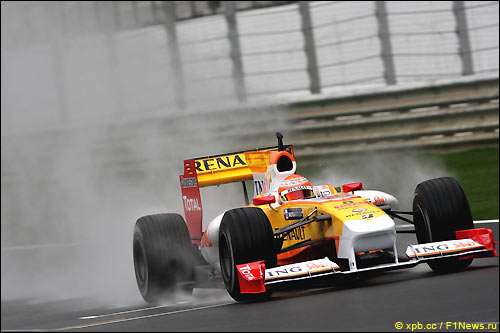 Алгарве. Дождь. Нельсиньо Пике и Renault R29