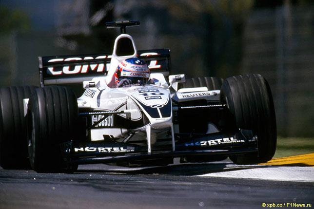 Дженсон Баттон за рулём Williams FW22 в 2000 году
