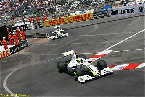 Дженсон Баттон и Рубенс Баррикелло на трассе Гран При Монако
