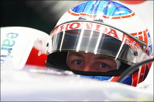 Дженсон Баттон в машине Honda