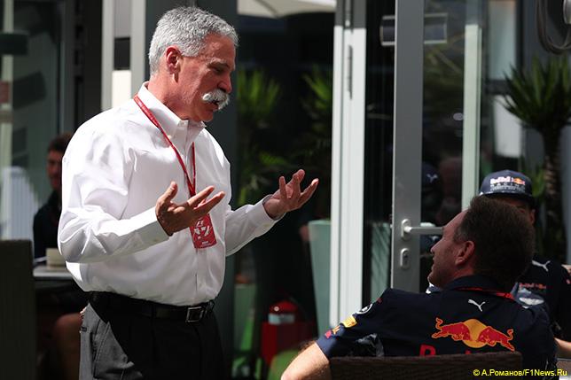 Чейз Кэри, исполнительный директор Формулы 1 (справа) и Кристиан Хорнер, руководитель Red Bull Racing