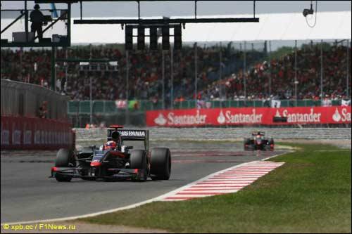 Пилоты HRT на дистанции Гран При Великобритании