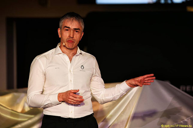 Ник Честер на презентации Renault R.S.19