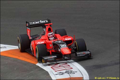 Макс Чилтон за рулем машины команды Carlin