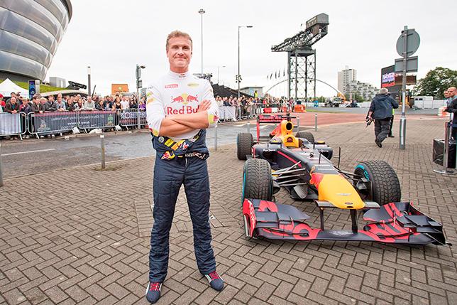 Дэвид Култхард на шоу-заездах Red Bull Racing в Глазго