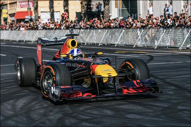 Дэвид Култхард на демонстрационных заездах. Фото: Red Bull