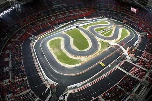 Трасса Гонки Чемпионов, проложенная на стадионе Уэмбли