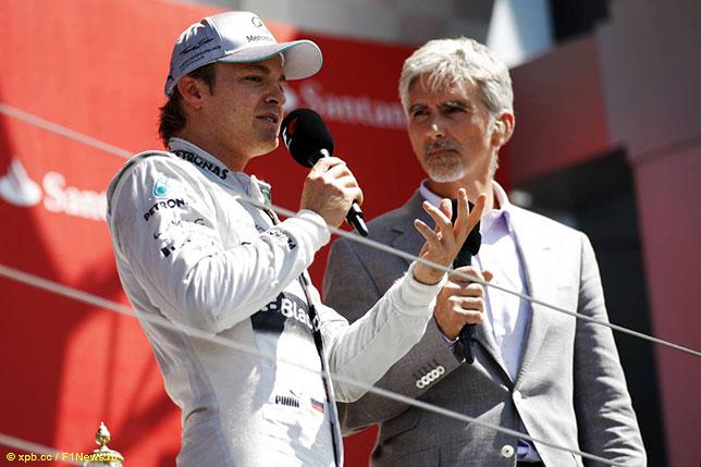 Деймон Хилл берёт интервью у Нико Росберга, победителя Гран При Великобритании 2013 года