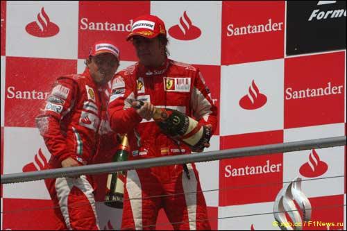 Пилоты Ferrari на призовом подиуме Хоккенхаймринга