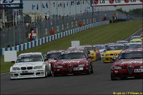 Кузовные гонки на автодроме в Донингтоне