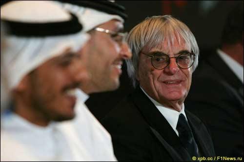 Берни Экклстоун на пресс-конференции в Эмиратах