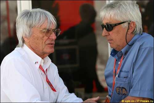 Берни Экклстоун и наблюдатель FIA Херби Бланш
