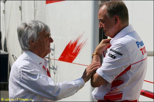 Берни Экклстоун и Джон Хауэтт, президент Toyota F1
