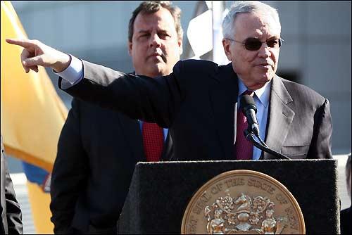Лео Хиндери рассказывает жителям Нью-Джерси о будущем Гран При