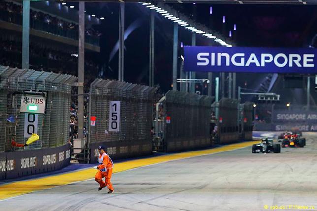Росберг одержал победу этап «Формулы-1» Гран-при Сингапура