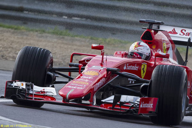 Себастьян Феттель за рулём Ferrari SF15-T