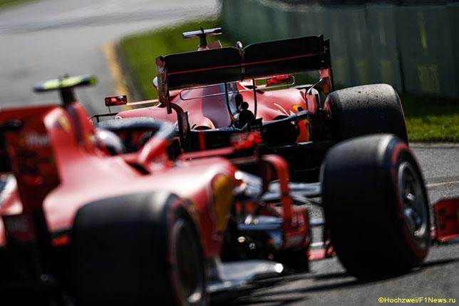 Машины Ferrari на трассе в Альберт-парке