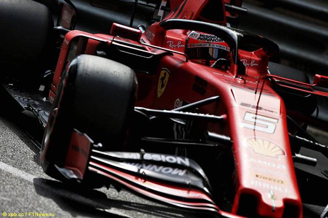 Себастьян Феттель за рулём Ferrari SF90 на трассе Гран При Монако